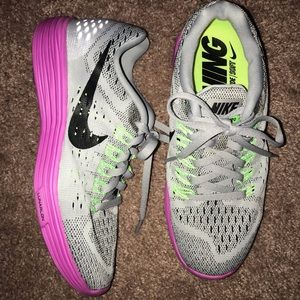 Brand new nike tennis shoes! Sz 6